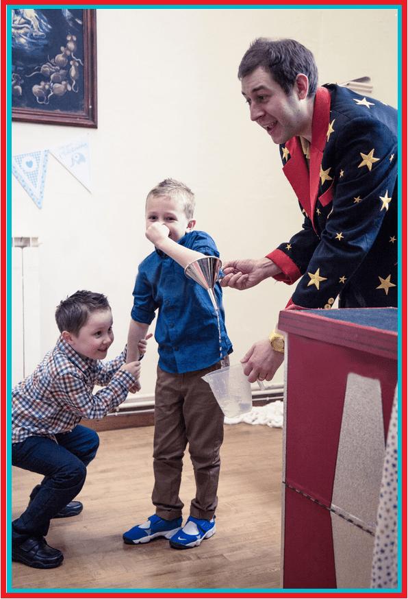 Childrens Entertainer Nottingham - Kids Magician Nottinghamshire